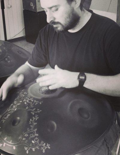 Marco suonando